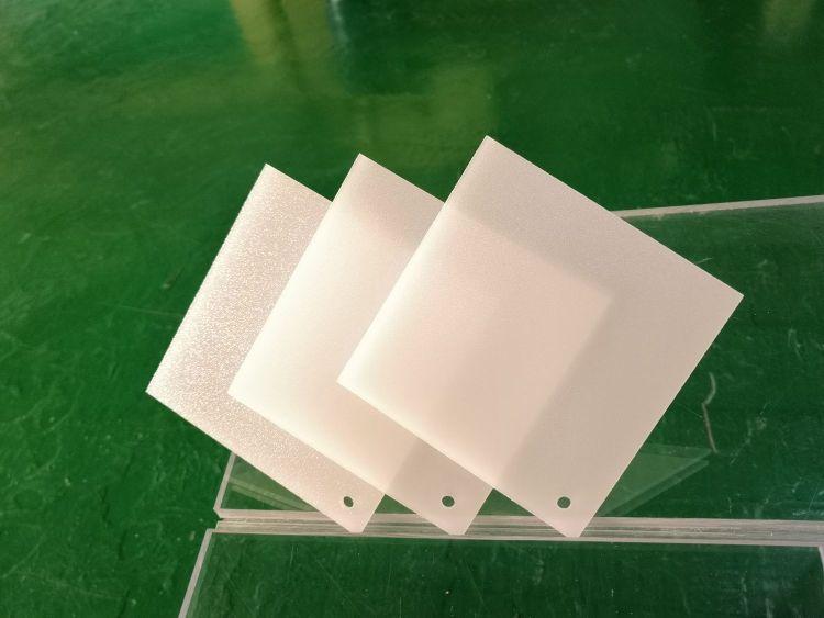 供应奶白光扩散板 PS单砂双砂高雾度板材精雕加工切割筒灯面板灯