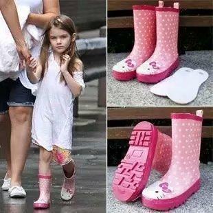新款冰雪奇缘公主雨靴 汽车总动员儿童水靴 时尚中筒雨鞋 一件代