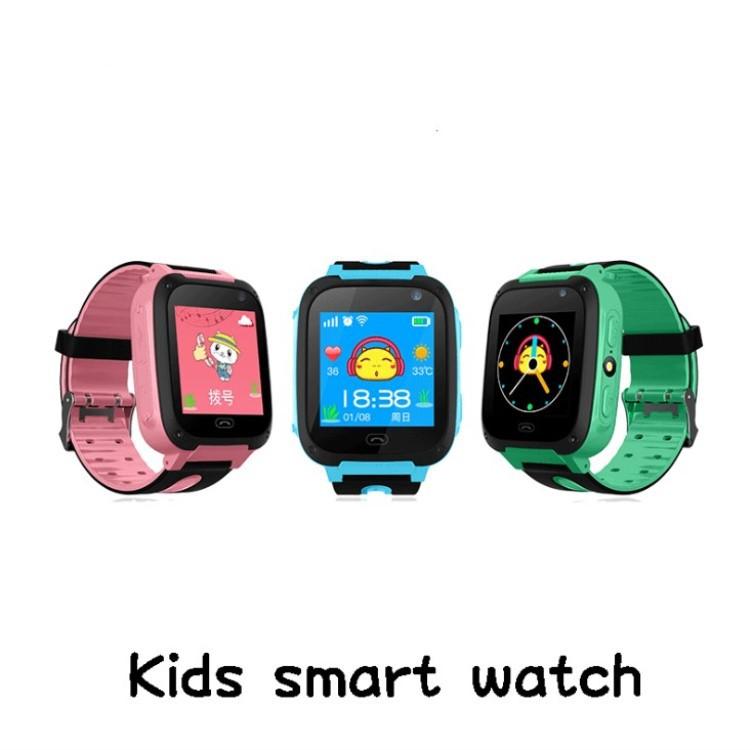 儿童定位电话触摸屏手电筒自由拨号智能手表儿童电话手表 英文