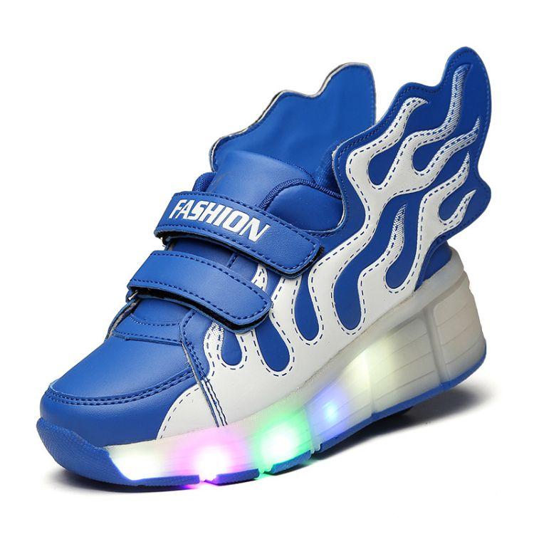 2017新款轻便潮流闪光带灯LED双轮暴走溜冰大中儿童飞鞋带翅膀