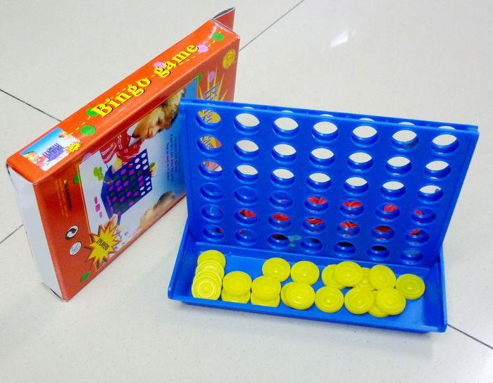 供应3-6岁益智趣味立体四子棋Bing game游戏棋四连棋五子棋可定制