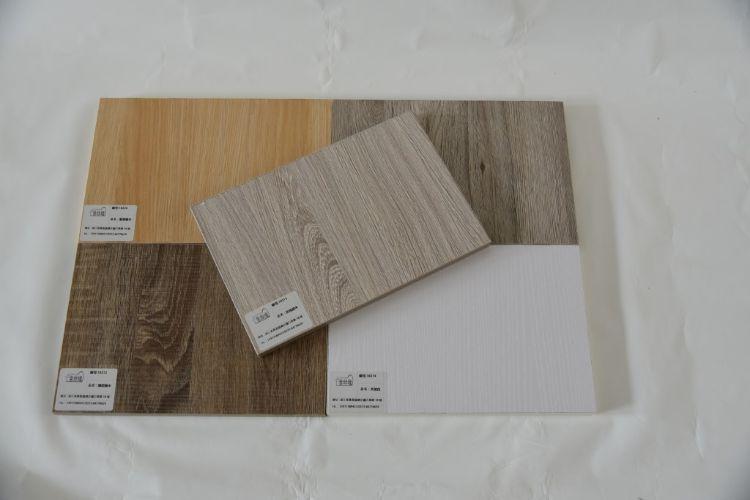 店铺三包防水免漆板浙江三聚氰胺胶水三次成型耐腐蚀木板材免漆板