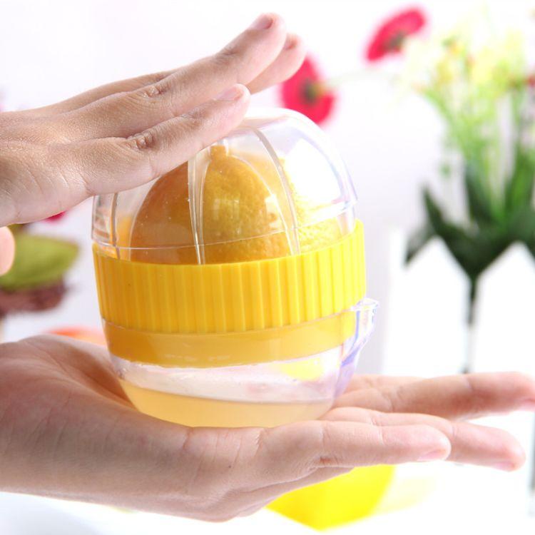 厨房小工具便携式手动榨汁机柠檬榨汁器塑料家用压汁器