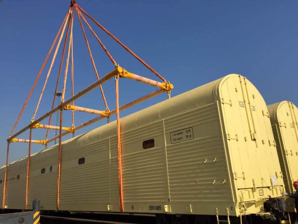 四川成都机务段铁路专用柴油机发电机组合吊具吊梁专用连接装置