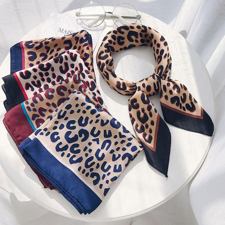 豹紋印花絲巾小方巾女韓國70cm新款百搭春秋領巾時尚復古裝飾圍巾