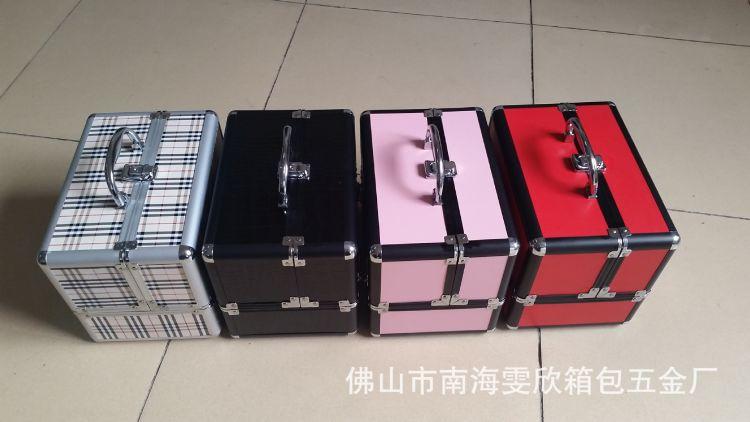 现货1377美容化妆箱 专业化妆箱 铝箱定做 家用化妆箱