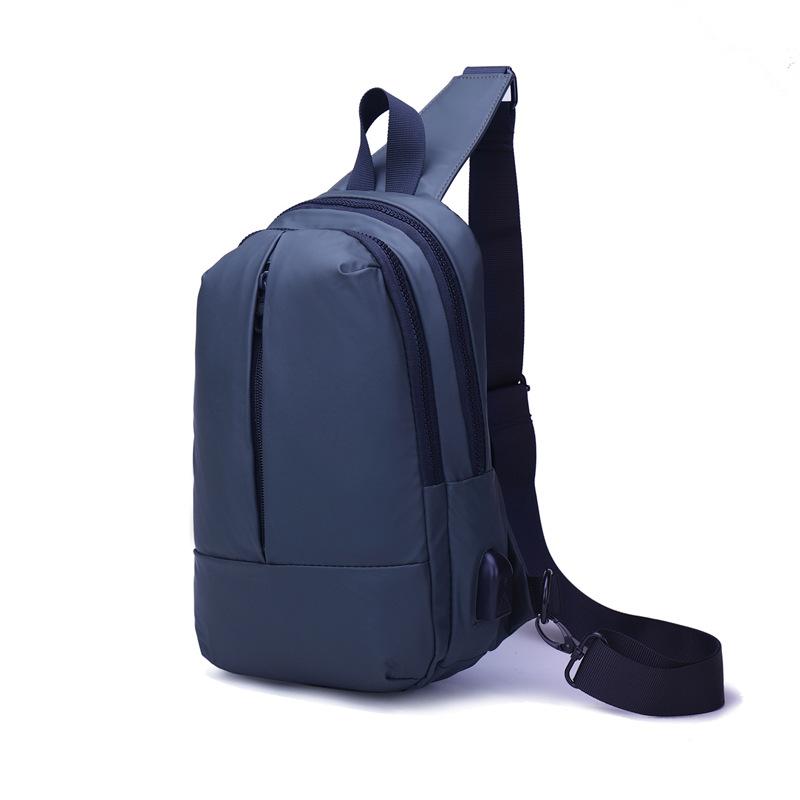 2019年新款胸包时尚户外防水背包厂家直销可定制新型面料背包