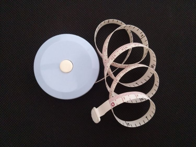 5000只起订定制塑料圆形环保外贸出口2米纤维尺 优质量保证