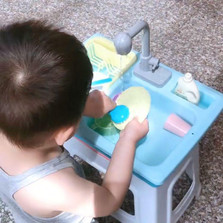 儿童厨房玩具套装冰淇淋糖果洗碗餐台电动出水仿真过家家玩具批发