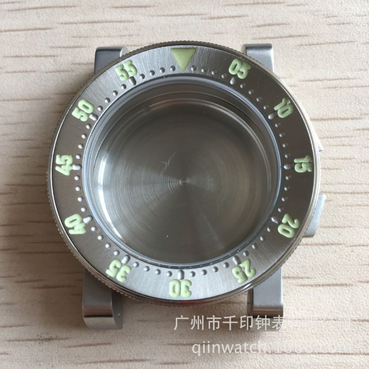 工厂现货钢鲨500m潜水表壳手表定制论坛表吧定制瑞士C3机械男手表