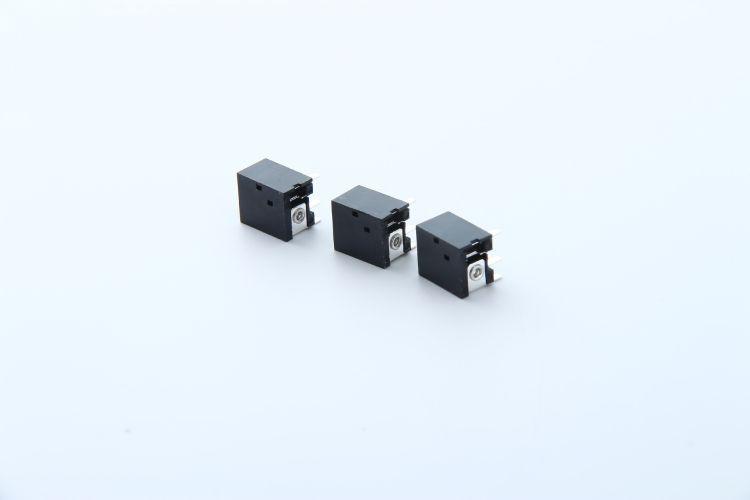 厂家直供DC电源插座DC-036 7.0*9.6 5521 5525三脚立式插座