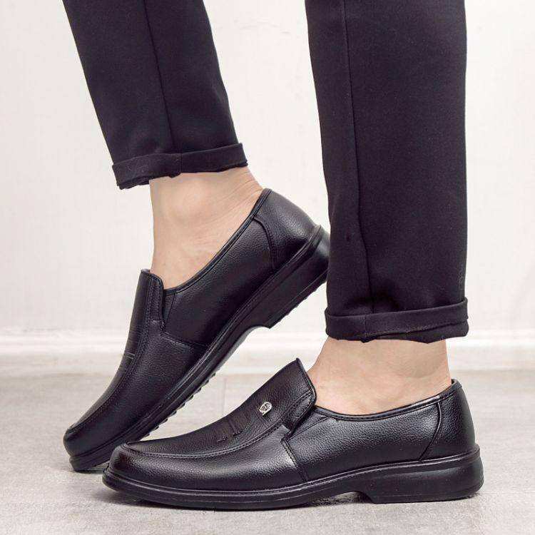 2018新款皮鞋商务正装男鞋真皮中老年爸爸鞋软底中年男士鞋批发