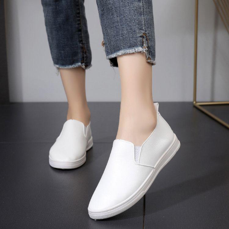 春季小白鞋女韩版百搭休闲板鞋平底白色学生单鞋一脚圆头蹬乐福鞋