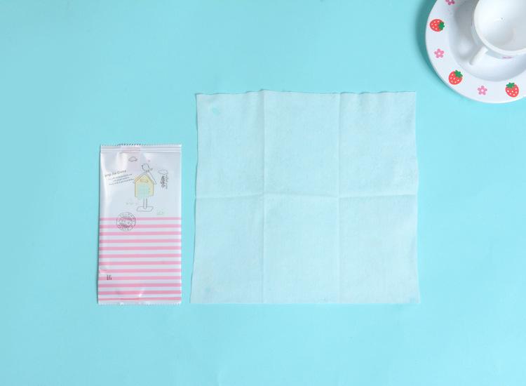 湿巾厂家批发 一次性湿巾10片装户外擦手巾方便简洁 随身携带热销