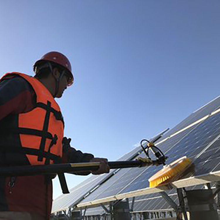 电动清西机刷光伏清洁设备太阳能光伏板太阳能清洁设备 电动