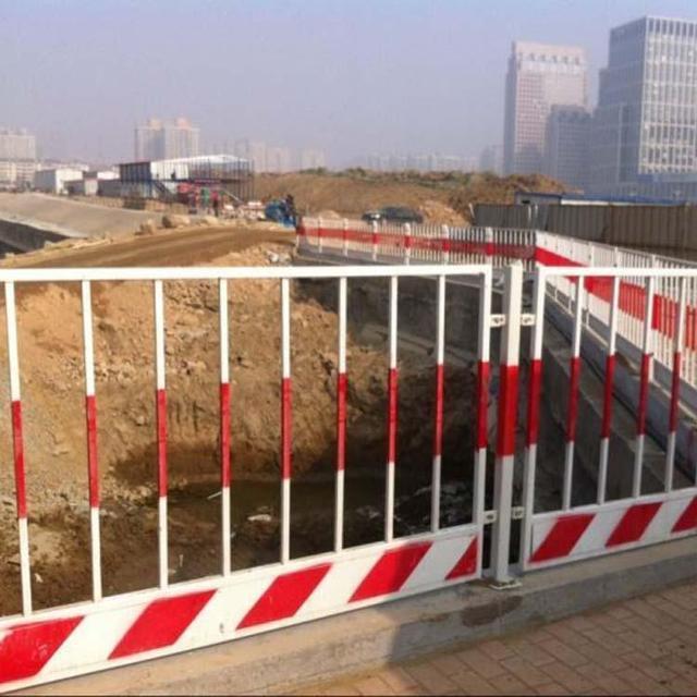 工地安全网栏工地文明施工防护栏杆定型化标准化护栏厂家