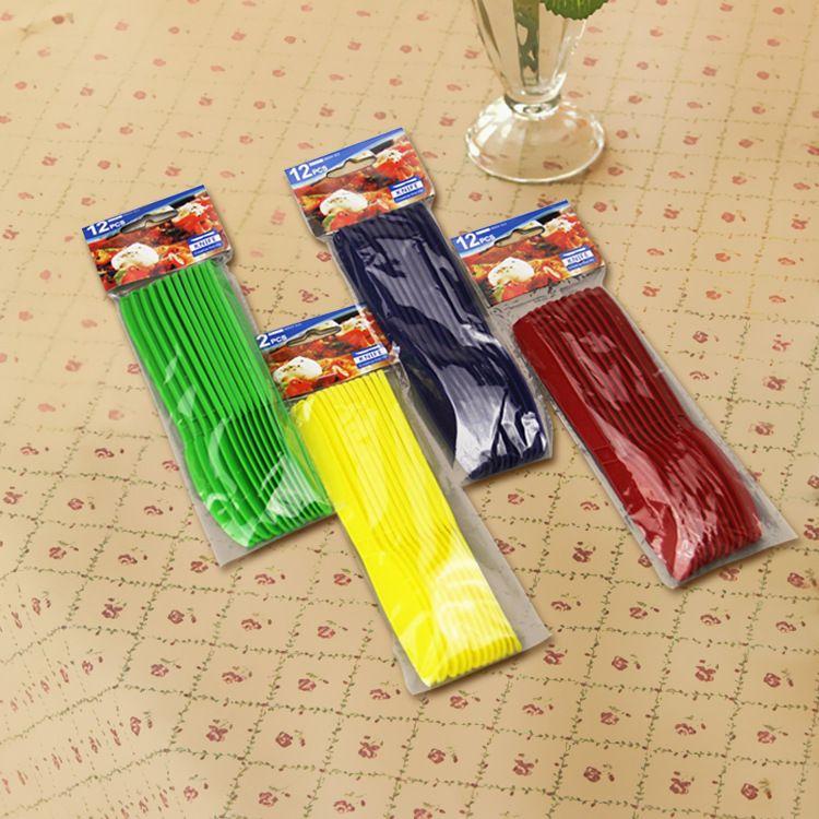 厂家批发西式塑料刀 一次性西式塑料蛋糕刀 加厚纯色厨房刀叉