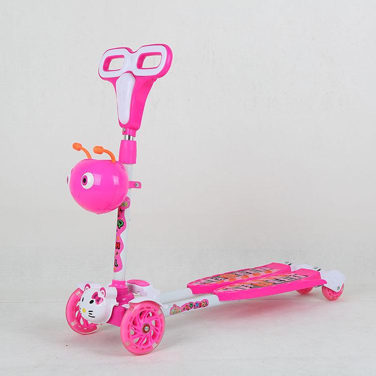 厂家直销凯琦小小恐龙闪光四轮剪刀车儿童小昆虫PU轮蛙式滑板车