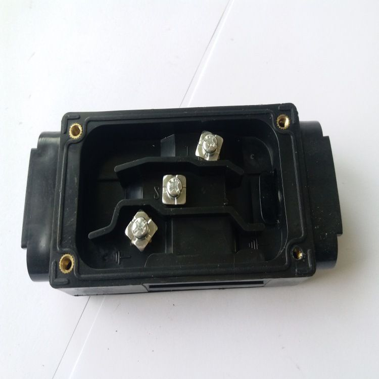 厂家直销电伴热三通接线盒 各种配件 防爆阻燃IP40型 品质保证