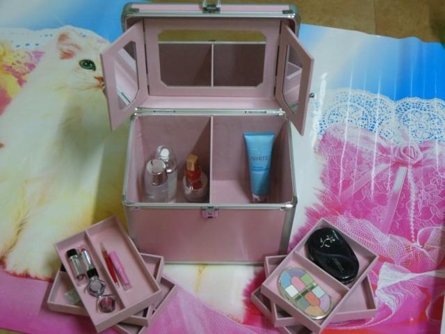 新品铝合金粉色化妆箱化妆品收纳箱跟妆箱手提化妆箱