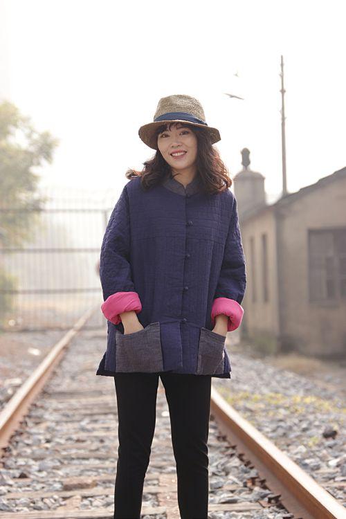 冬款盘扣装饰撞色怀旧色织亚麻肌理感藏青色复古棉袄棉衣018159