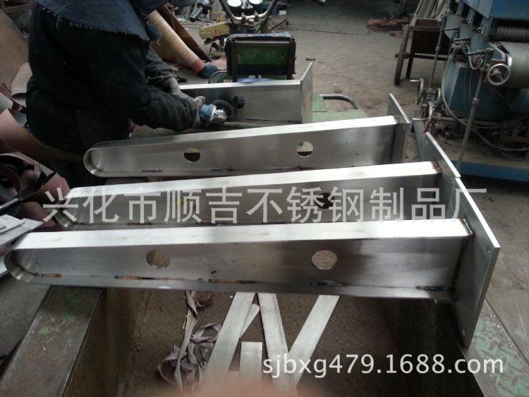 顺吉供应 优质304不锈钢挑梁 不锈钢雨蓬梁
