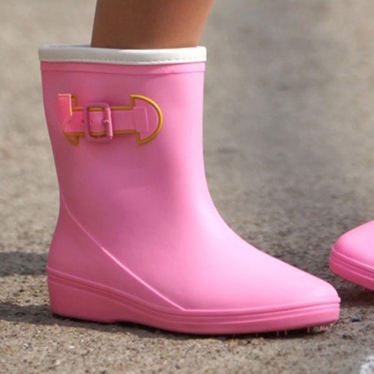 糖果色时尚轻便雨靴女式雨鞋防滑耐磨中筒水鞋 现货混批