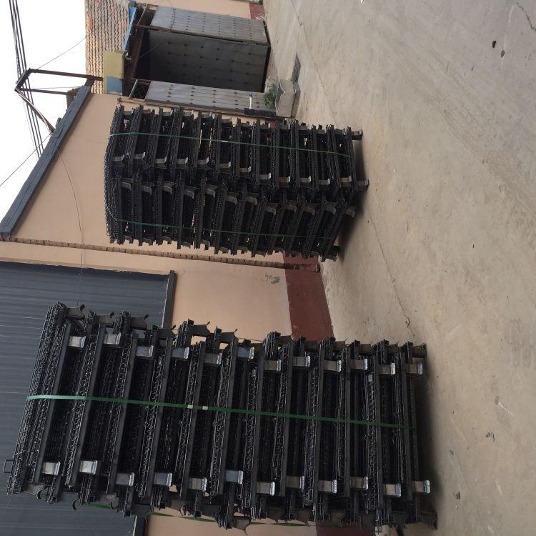 博硕仓储笼厂家直销 @ 重型仓储笼 、 车间专用蝴蝶笼铁笼子可移动。