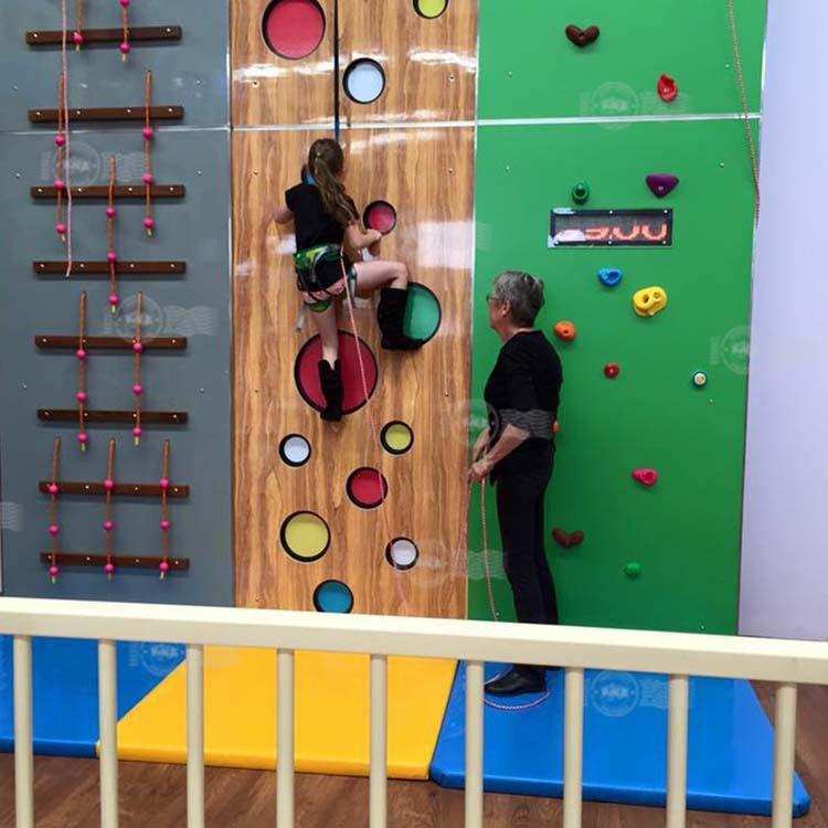 厂家私人定制儿童室内攀岩墙 大型室内花式攀岩墙/花式N攀