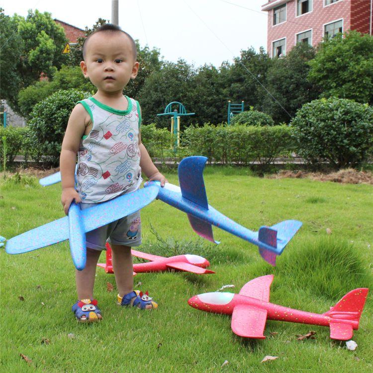 泡沫模型手抛飞机拼装回旋发光户外航模滑翔机塑料儿童玩具批发