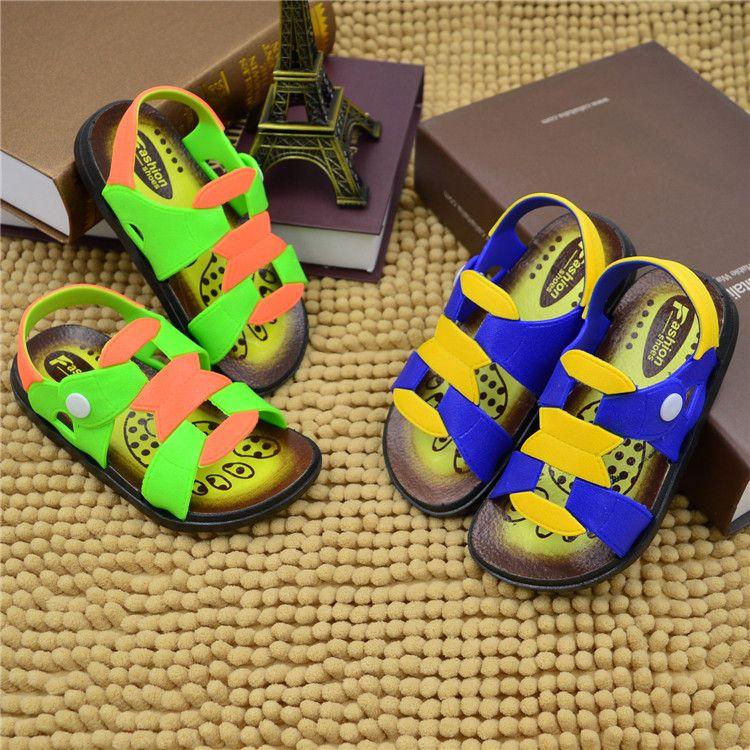 男童女童塑料凉鞋