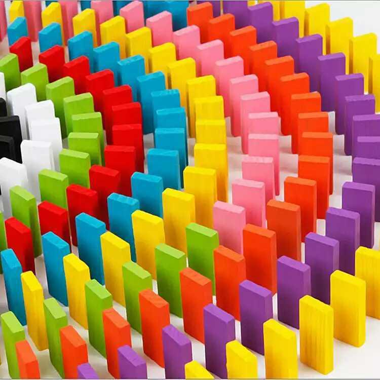 厂家直销100片装彩色多米诺骨牌成人儿童早教木制益智玩具批发