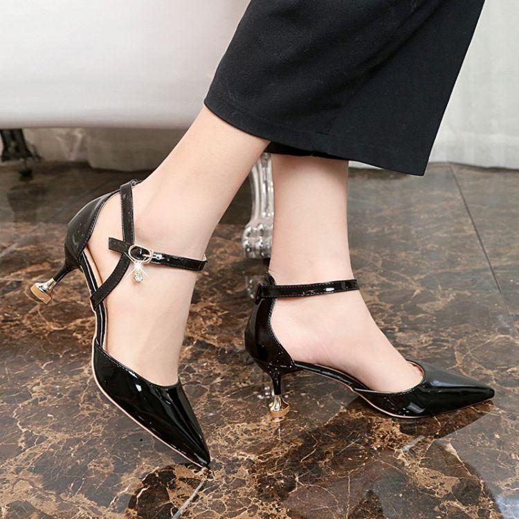 韩版中空凉鞋外贸春夏新款细跟扣带尖头高跟时尚百搭包根女鞋