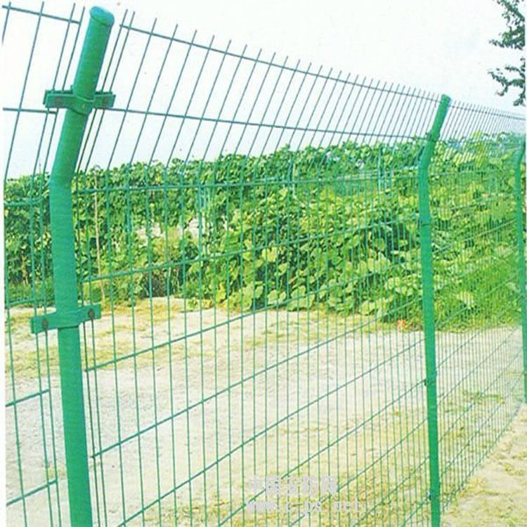 济南青岛德州 公路护栏网 工地围网  生产厂家定做 双边丝护栏网