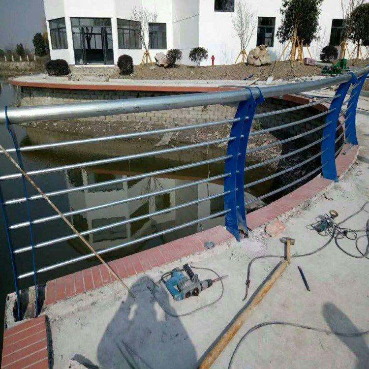 聚宏金属 可定做桥梁护栏 不锈钢复合管护栏 专业品质量大优惠