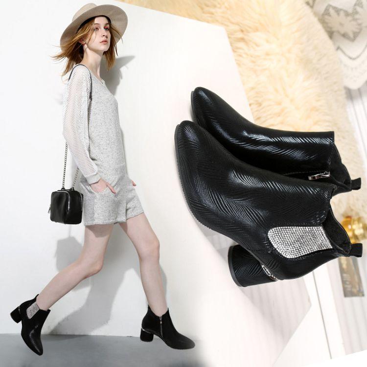18秋冬新款粗跟短靴韩版黑色女靴子尖头侧拉链加绒马丁靴女靴批发