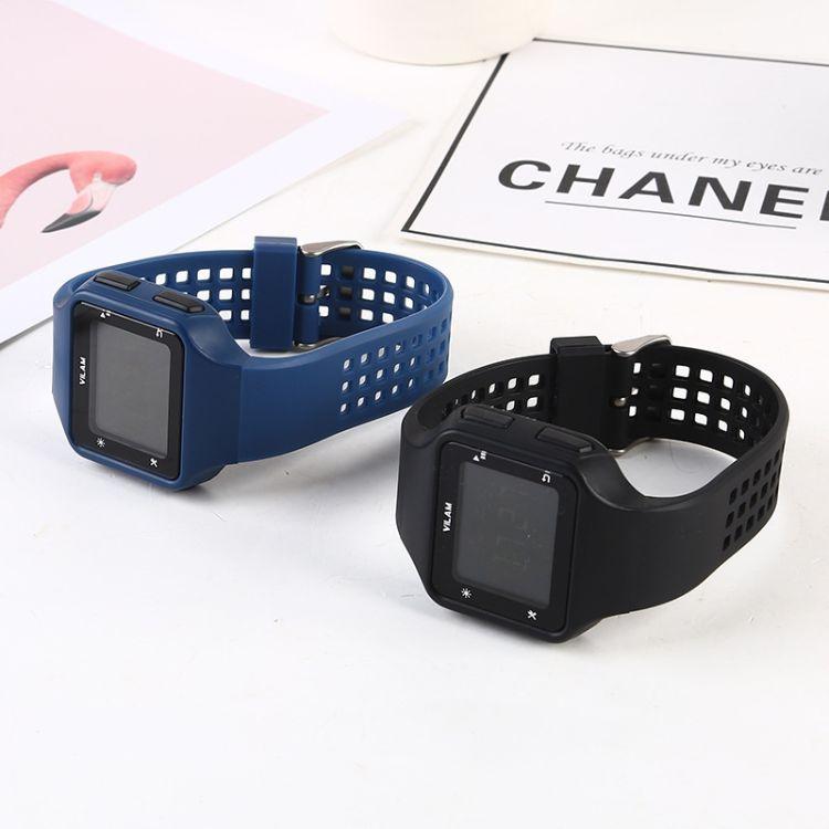 儿童学生多功能电子手表 休闲硅胶材质塑胶表 圆形不锈钢针扣手表