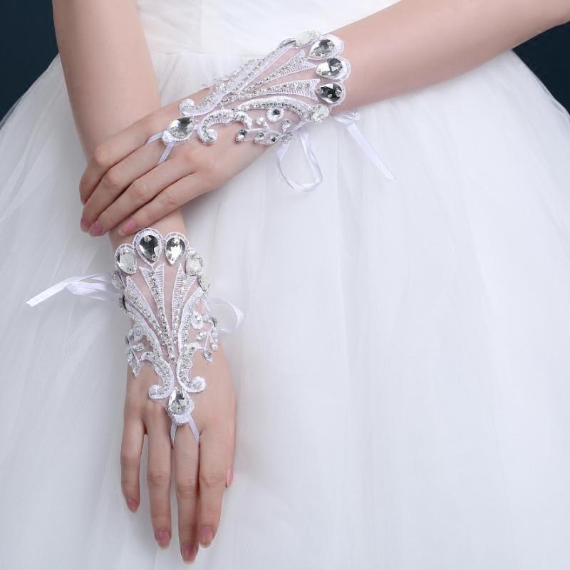 厂家批发新娘婚纱礼服蕾丝手套勾指珠绣手套手工缝制婚纱手套