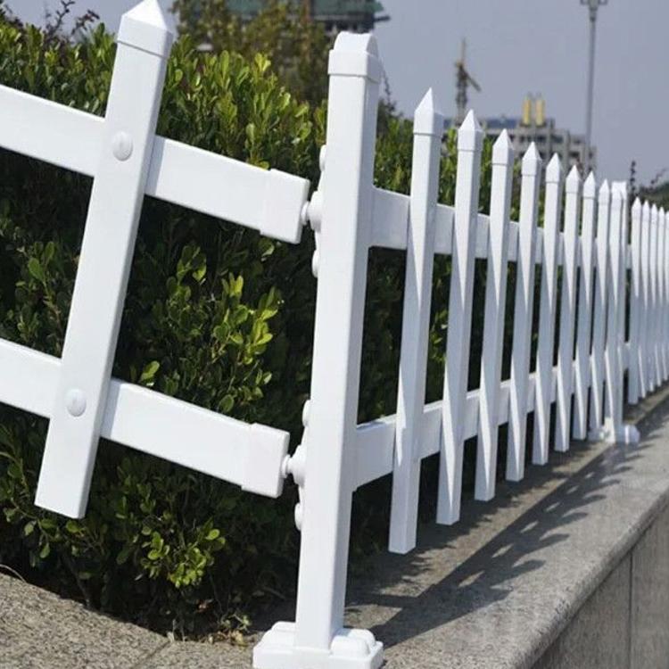 一米高成品草坪塑钢围栏热销中护栏工厂PVC专业生产绿化草坪隔离