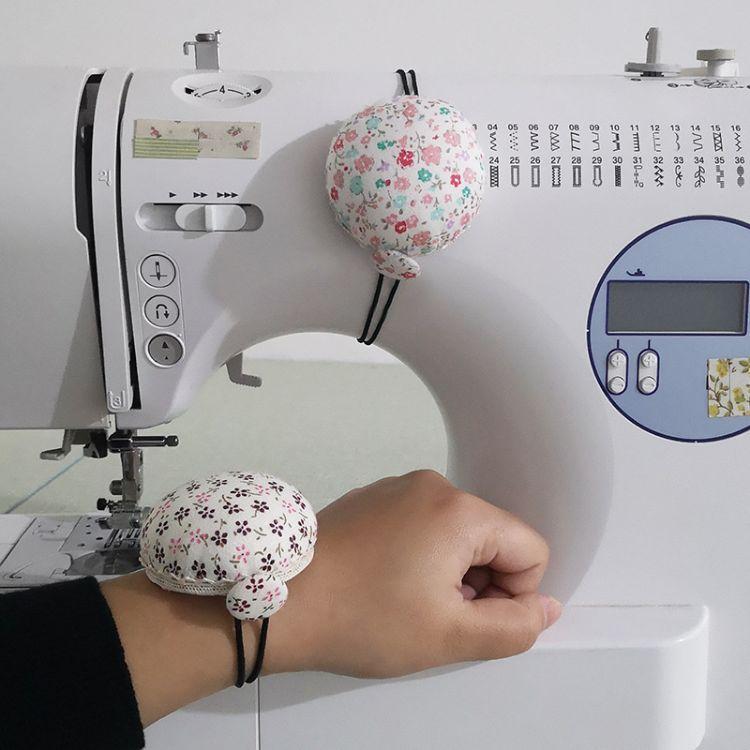 速卖通 欧美缝纫机针插两用针扎多功能手腕针垫十字绣工具 E201-2