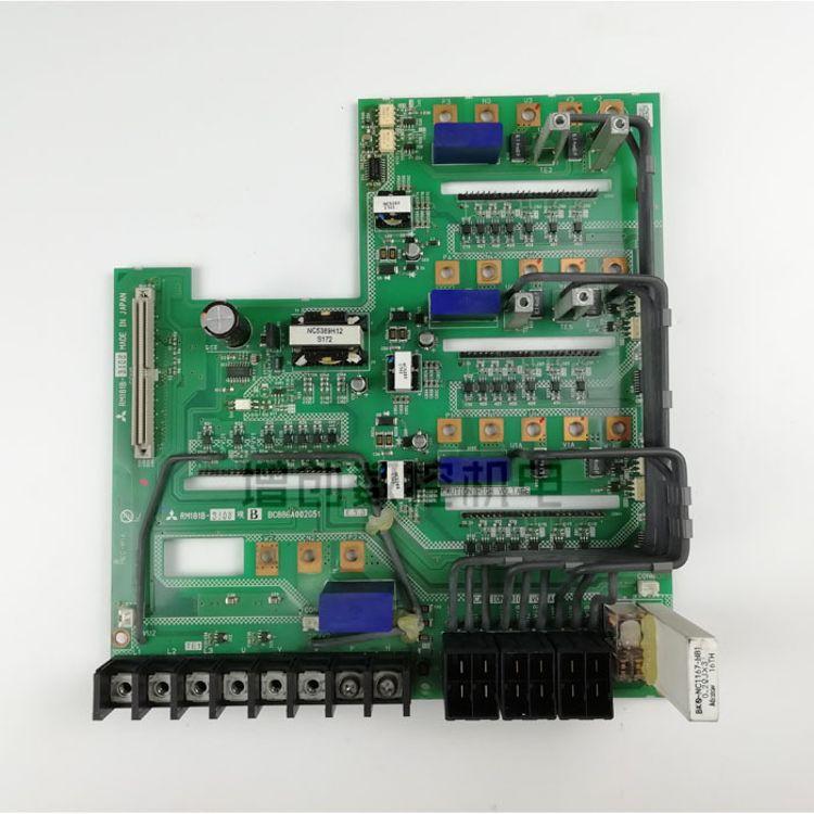 原装正品三菱M70四合一驱动器底板RM181B-3108现货出售及故障维修