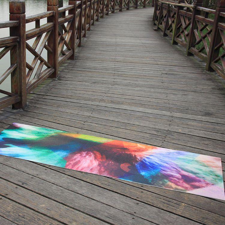 现供印花瑜伽铺巾 健身用品彩色块花纹防滑瑜伽铺巾