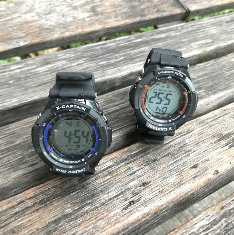 批发各类电子手表 运动时尚学生儿童商务防水防震防摔电子手表
