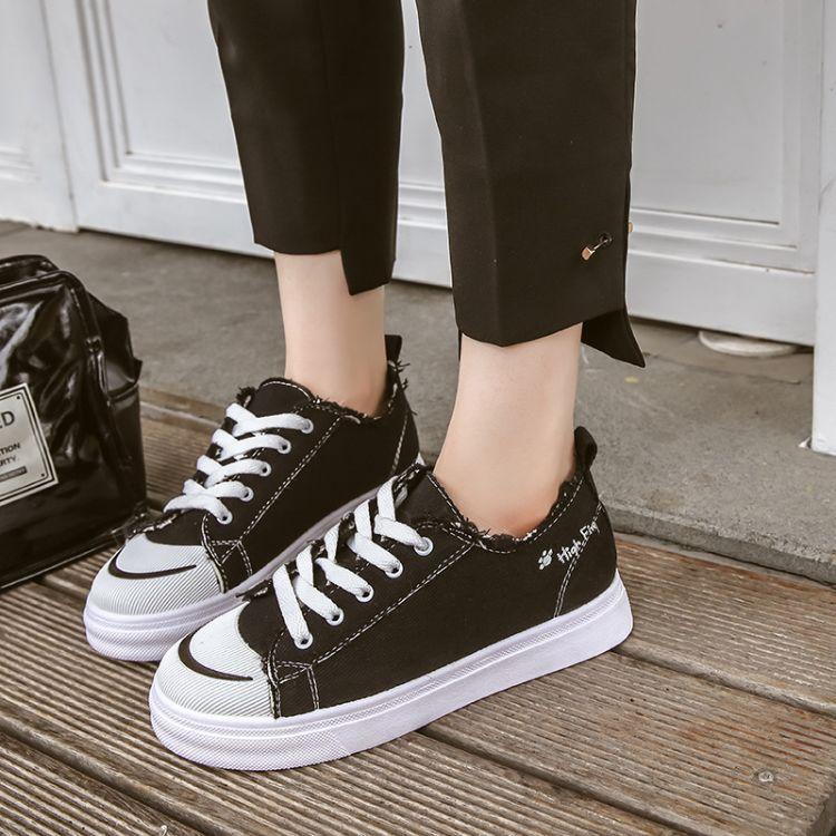 黑色帆布鞋女学生2018韩版秋季百搭新款平底休闲板鞋港风小白鞋子