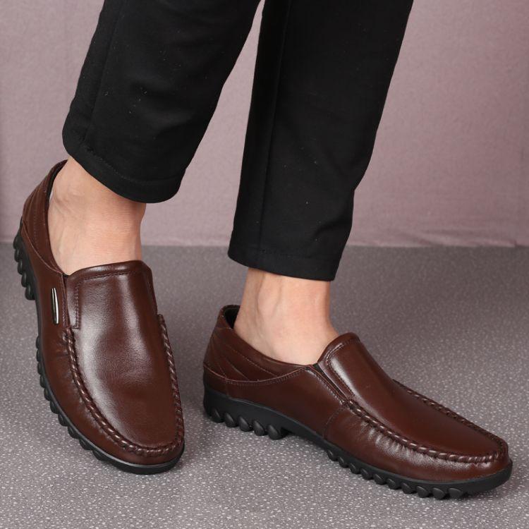 新款时尚百搭商务休闲鞋皮鞋批发头层牛皮男鞋套脚豆豆鞋厂家代发