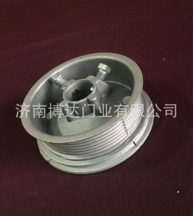 济南博达厂家批发欧式卷帘门遥控车库门工业提升门五金配件滑轮