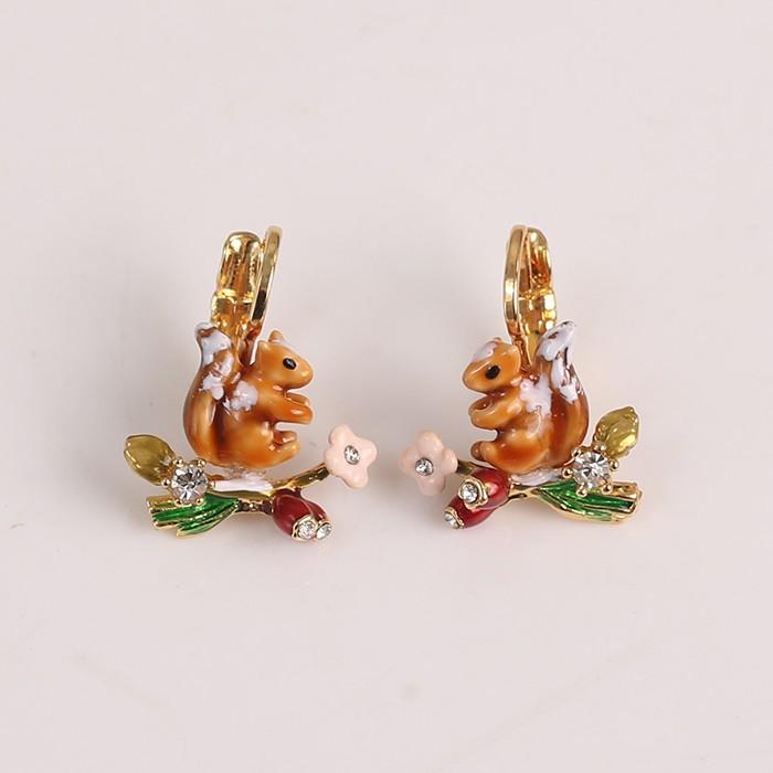 les bsl nereides雪地松鼠系列 珐琅彩釉迷你蘑菇浆果松鼠耳环