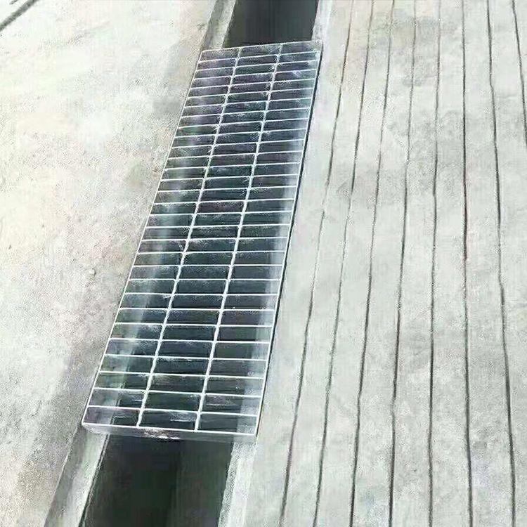 沐宸钢格栅厂常年现货供应 30*3/30/100各种尺寸热镀钢格栅沟盖板