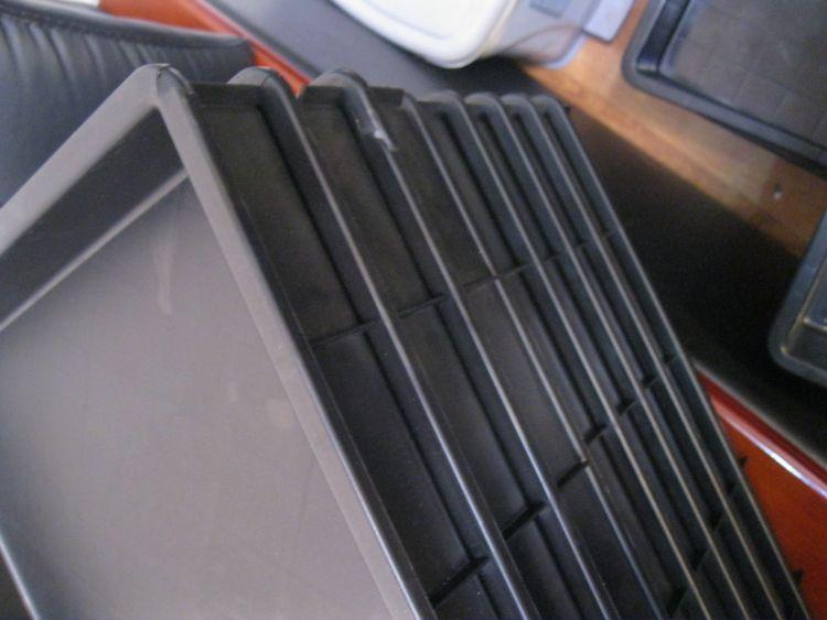 各种型号 防静电周转箱 防静电料盒