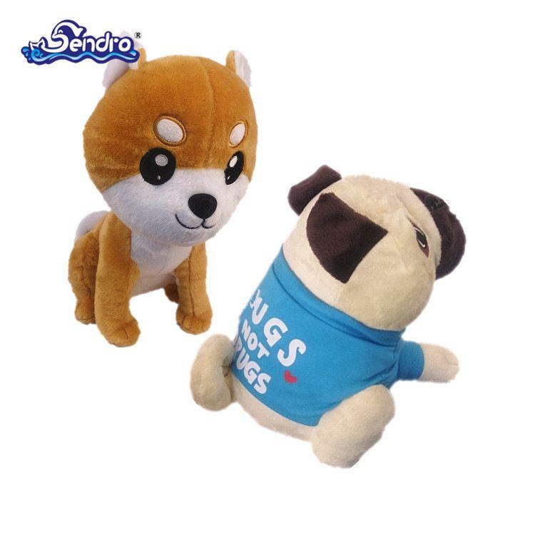 厂家直销 穿衣哈巴狗毛绒玩具 蹲姿狗 毛绒玩具厂家订制 加印LOGO
